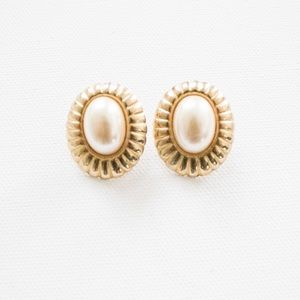 Vintage 80's Gold Plated Faux Pearl Oval Earrings